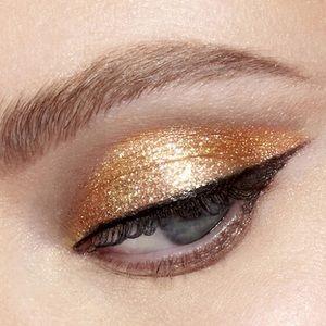 🎄BOGO🎄🆕✨ Glitter and Glow Liquid Eye Shadow
